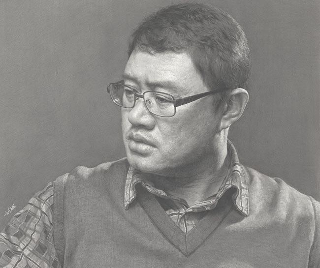 刘斌素描作品:戴眼镜的中年男人侧面头像素描